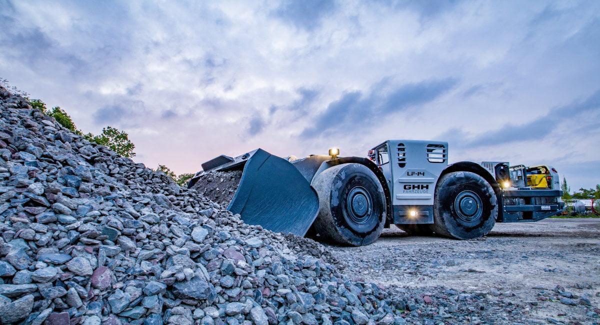 GHH Modern load haul dumper